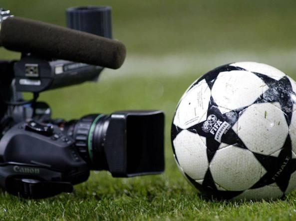 Antitrust: intesa nelle gare per l'assegnazione dei diritti internazionali del calcio in TV. Sanzionati MP Silva, IMG e B4 Capital per 67 milioni di euro